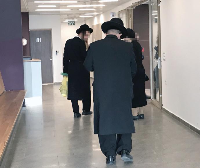 משפחתו של יצחק גרנט בבית המשפט