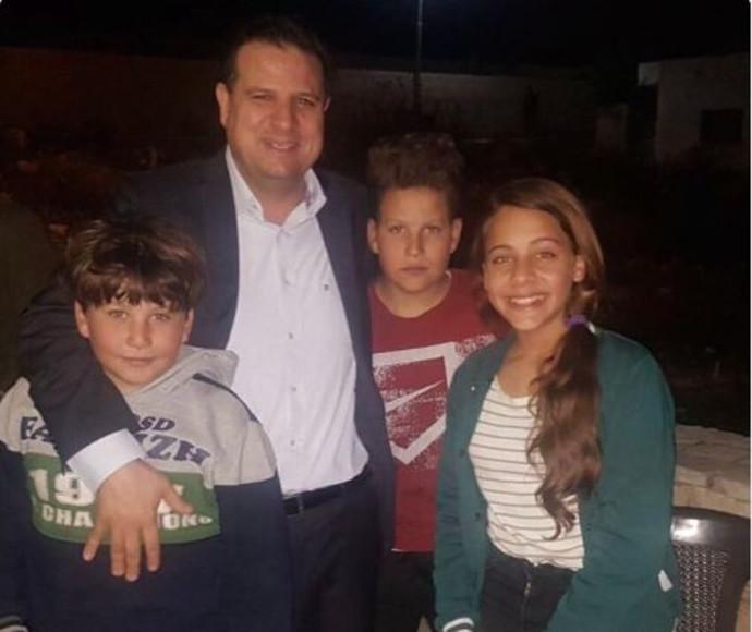 עודה עם בני משפחת תמימי