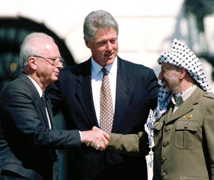 רבין עם קלינטון וערפאת בטקס חתימת הסכם אוסלו
