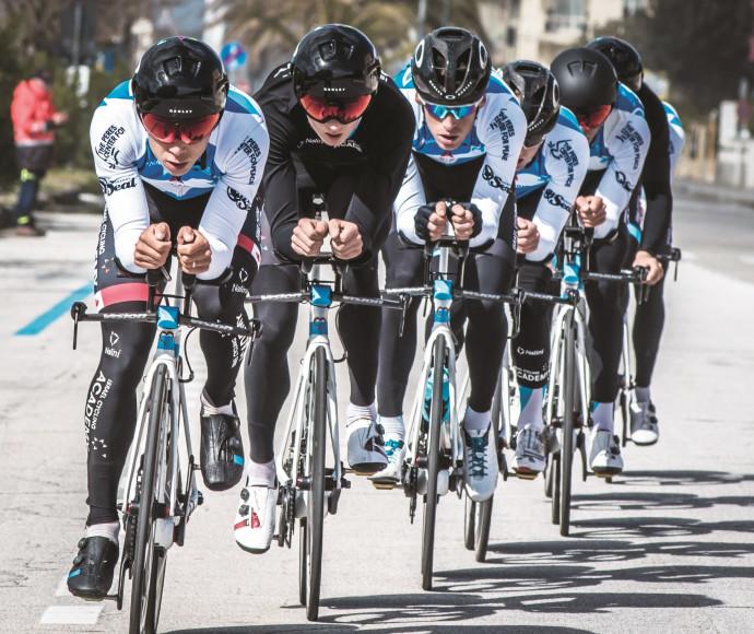 """רוכבי קבוצת סייקלינג אקדמי ב""""טירנו־אדריאטיקו"""""""