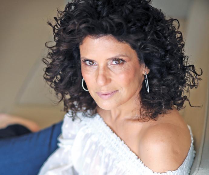 אוסנת וישינסקי צילום אריאל בשור איפור סיגל ימין שיער ניסו כהן