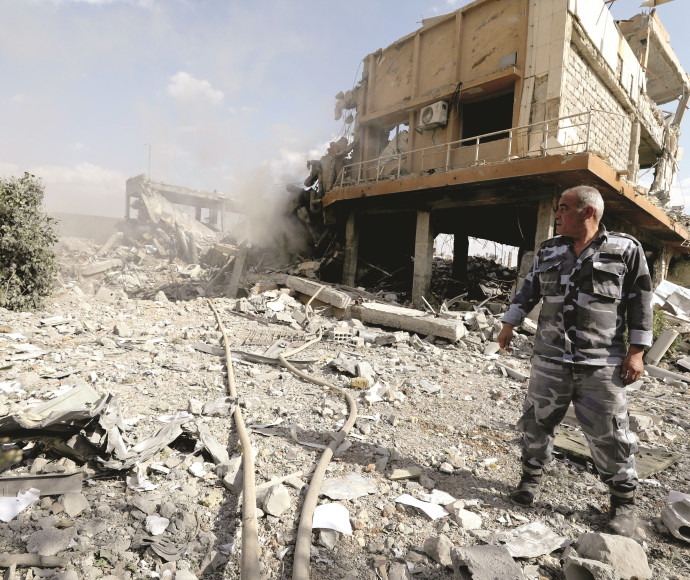 מרכז מחקר בדמשק לאחר התקיפה של בעלות הברית