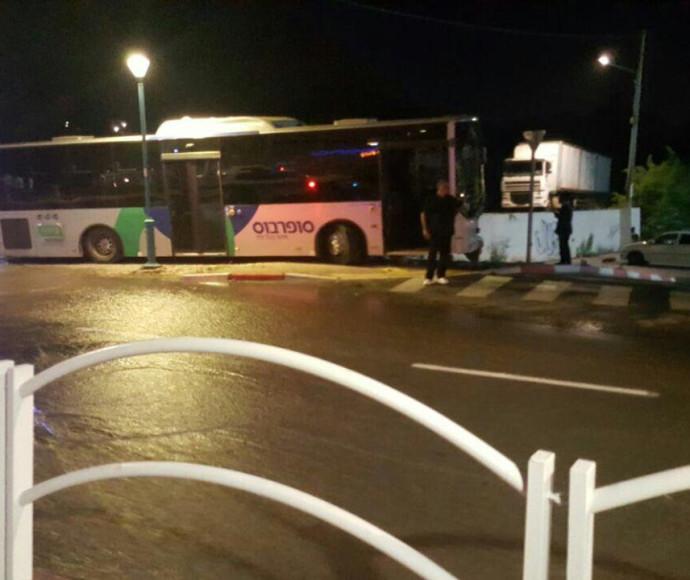 האוטובוס בעפולה