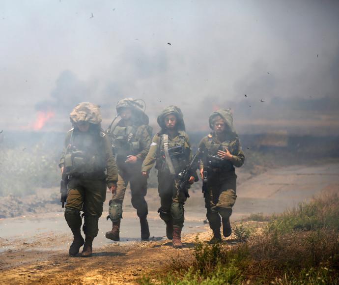 """חיילי צה""""ל בגבול רצועת עזה"""