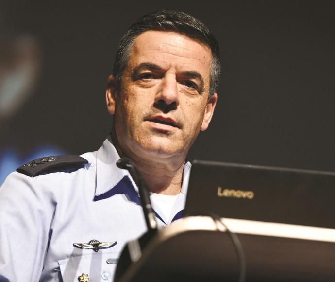 מפקד חיל האוויר עמיקם נורקין