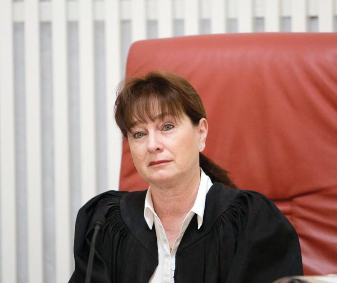 השופטת ענת ברון