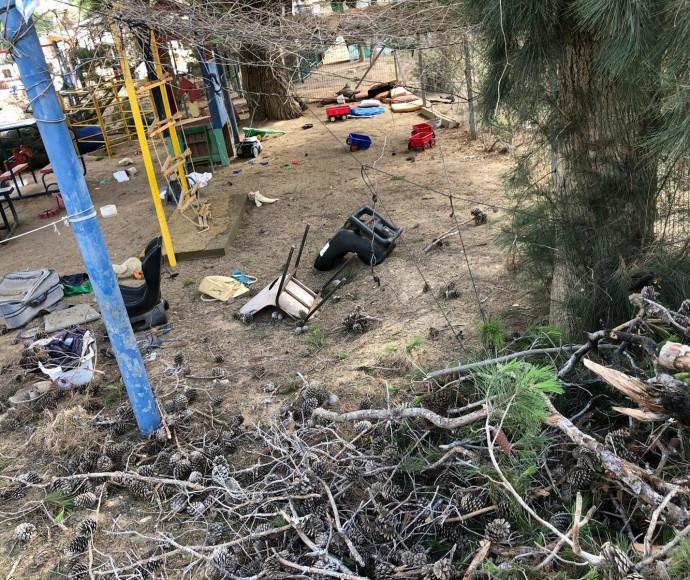 """חצר גן הילדים שנפגע מפצמ""""ר"""