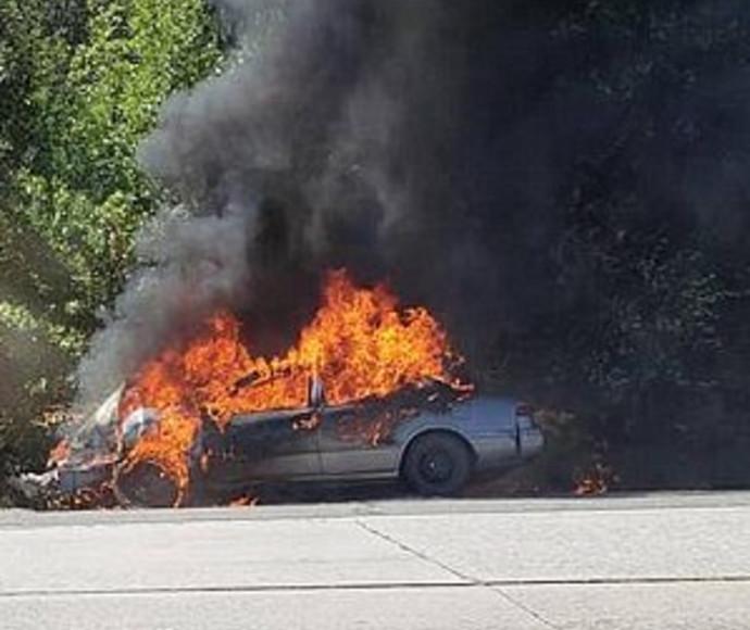חזר להדליק את הסיגריה ממכוניתו הבוערת