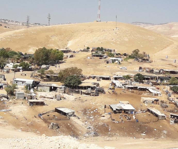 חאן אל-אחמר