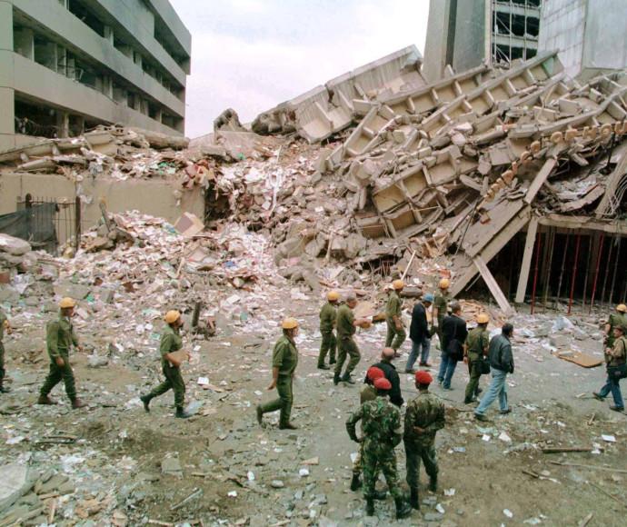 """הפיצוץ בבניין השגרירות בניירובי. קיבל את השם """"מבצע אל-אקצה"""""""