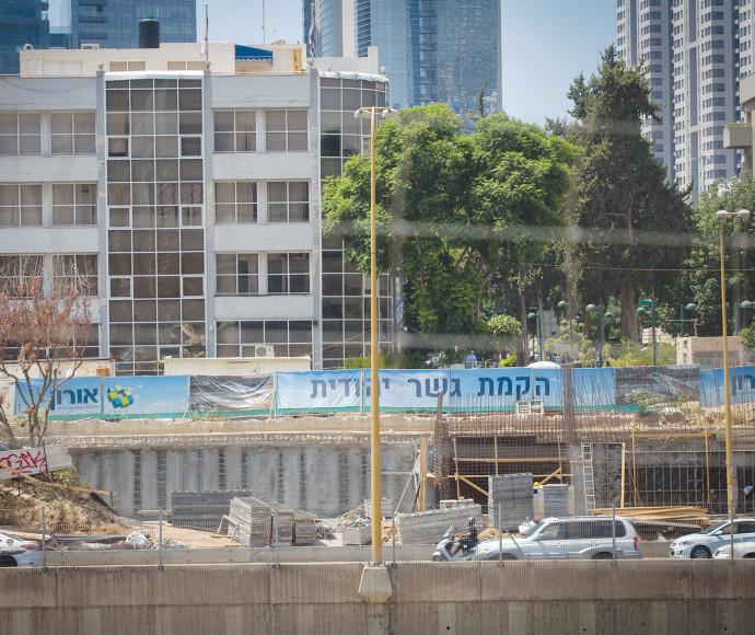 אתר העבודה של גשר יהודית בצדו המערבי