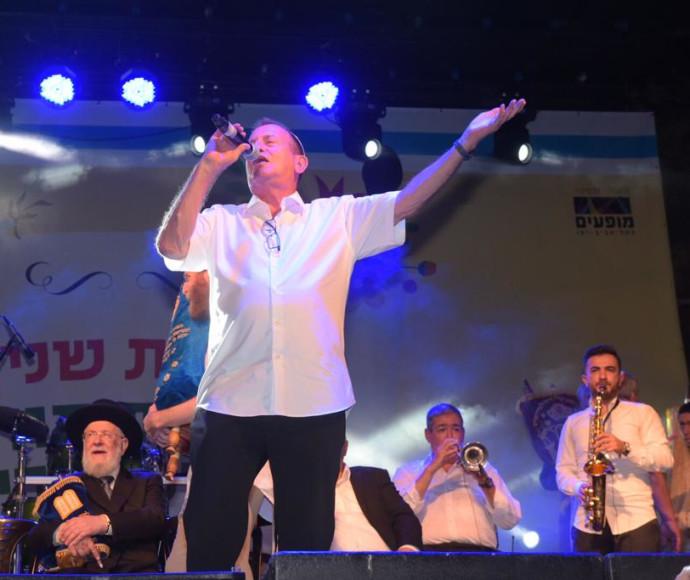 רון חולדאי בהקפות שניות בתל אביב