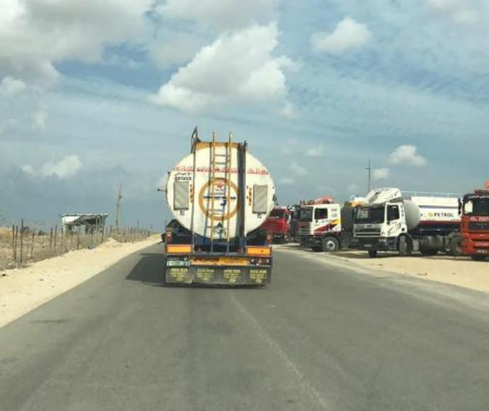 מכלית דלק במימון קטארי במעבר כרם שלום