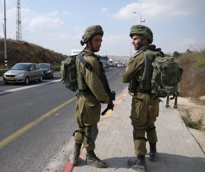 חיילים בזירת פיגוע בשומרון