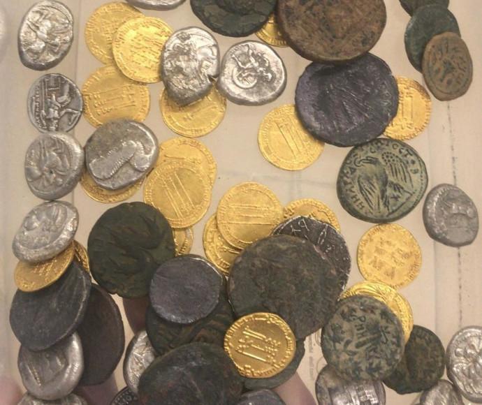 מטבעות הכסף העתיקים שנתפסו