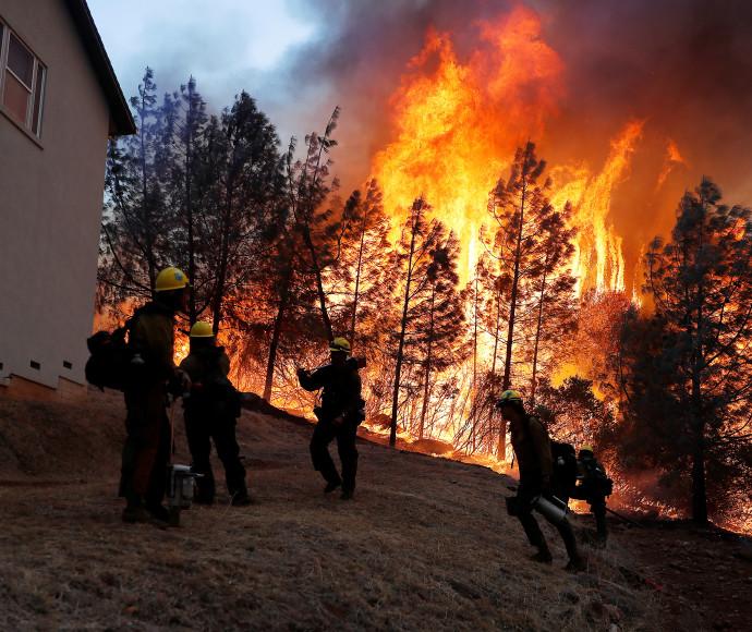 שריפת ענק בקליפורניה