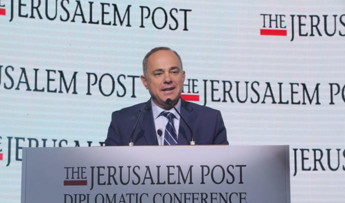 ברווז תקשורתי של שטייניץ: ידיעה שקרית על צינור גז בין ישראל לאירופה