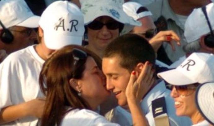 רונה רמון עם בנה אסף בטקס סיום קורס הטיס