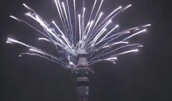 אוקלנד מקבלת את השנה האזרחית החדשה