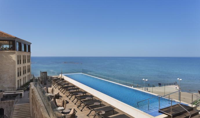 בריכת מלון סטאיי בתל אביב