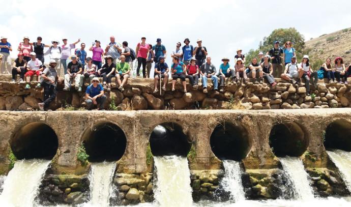 קבוצות מטיילים ברחבי הארץ