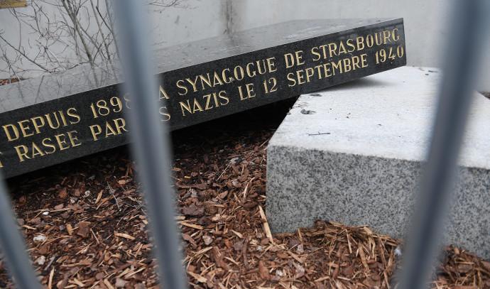 אנדרטת בית הכנסת שהושחתה בשטרסבורג