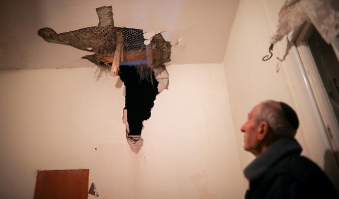 בית שנפגע מרקטה בשדרות