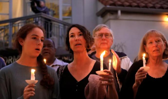 מדליקים נרות לאחר הירי בפאווי