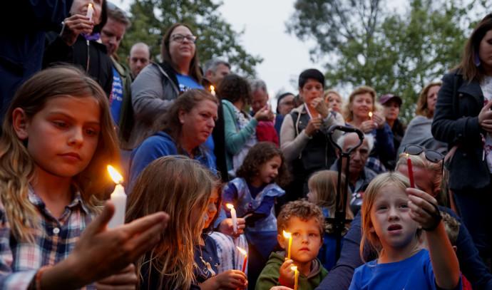 טקס זיכרון לזכר הנרצחת במתקפת הירי בבית הכנסת בסן דייגו