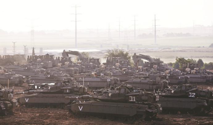 טנקים בגבול רצועת עזה
