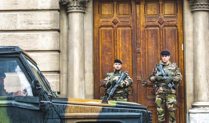 אבטחה על מוסדות יהודים בצרפת