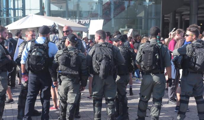 כוחות משטרה בתל אביב
