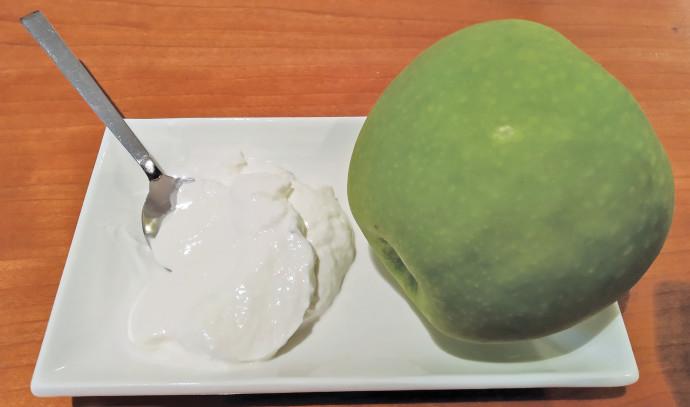 תפוח וגבינה