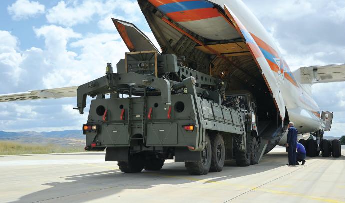 סוללות S400 מגיעות לבסיס חיל האוויר הטורקי באנקרה