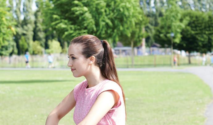 אישה עושה פעילות גופנית, אילסוטרציה