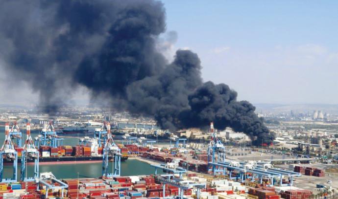 השריפה במפעל שמן תעשיות במפרץ חיפה