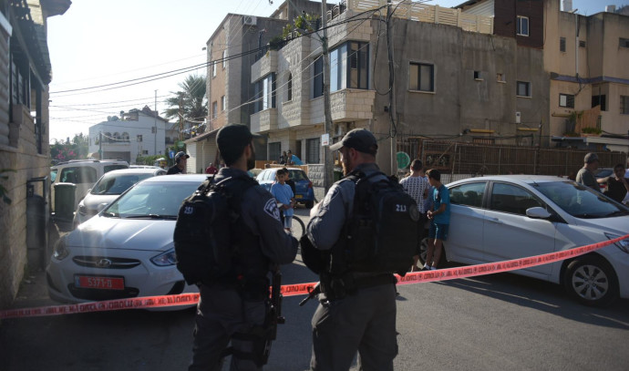 שוטרים בזירת הרצח במג'ד אל כרום