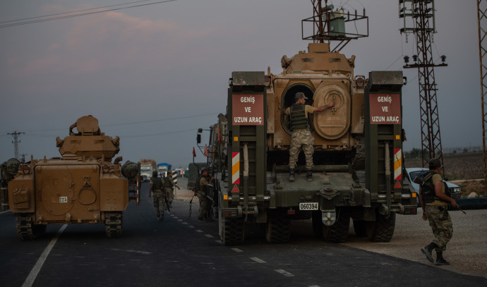 כוחות צבא טורקיה נכנסים לצפון סוריה