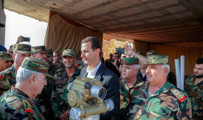 בשאר אסד מבקר חיילים המוצבים באידליב, ארכיון