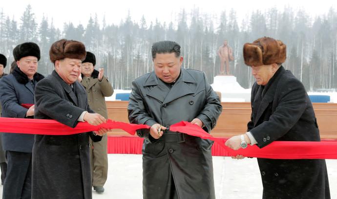 קים ג'ונג און חונך את העיר סמג'יון