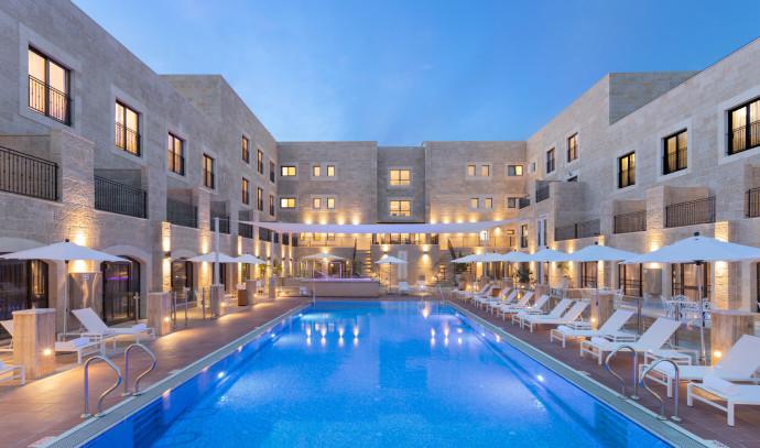 מלון אדמונד בראש פינה
