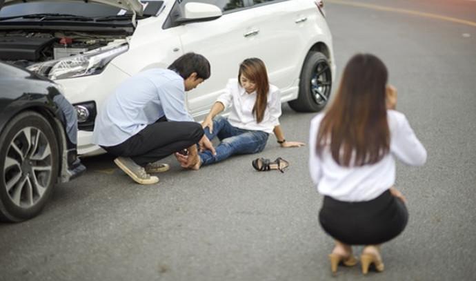 נפגעת בתאונת דרכים