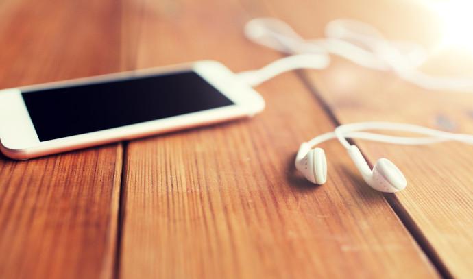 סמארטפון, אוזניות