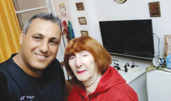 אליזבט ויוסי ג'רופי, מתנדב 22 שנים בפתחון לב