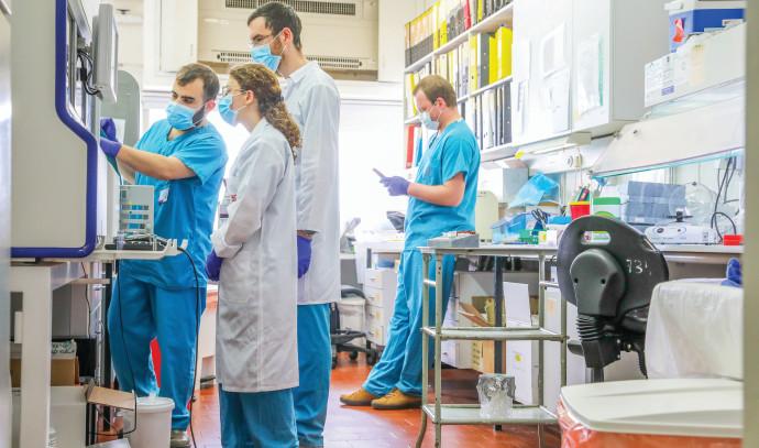 """צוות רפואי בבי""""ח רמב""""ם - למצולמים אין קשר לנאמר בכתבה"""