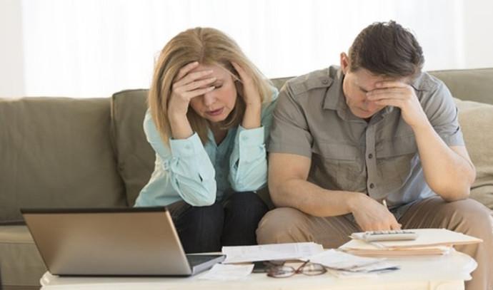 בעלי עסק בחובות