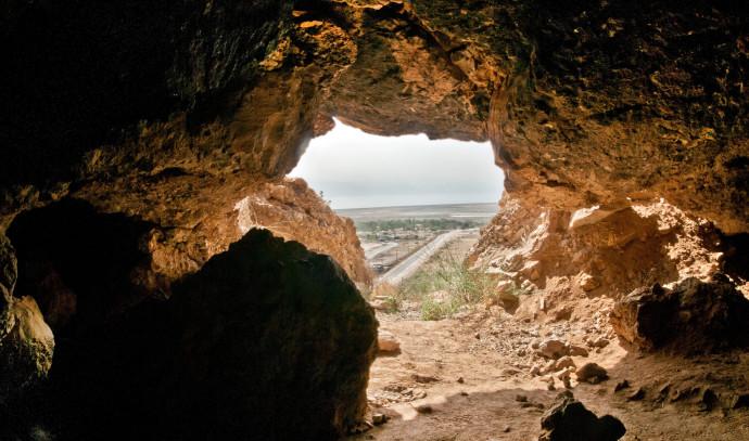 מערה עתיקה במדבר יהודה
