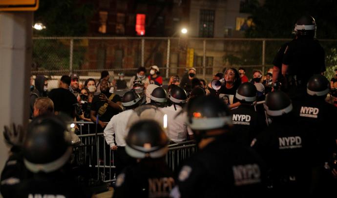 """מהומות בארה""""ב: מוחים בניו יורק"""