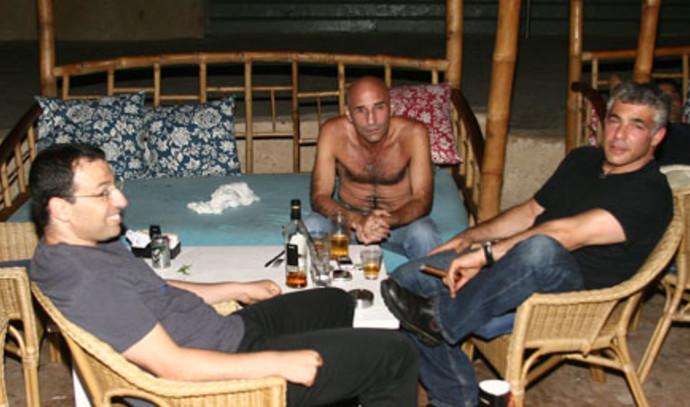 יאיר לפיד, רביב דרוקר ועופר שלח בתמונה משנת 2009
