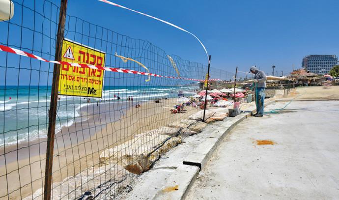 בניית מתקן נינג׳ה בחוף הים בתל אביב